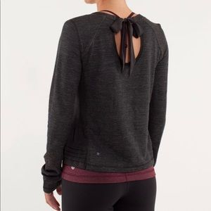 Lululemon Sattva Pullover Bow Tie Top Size 4